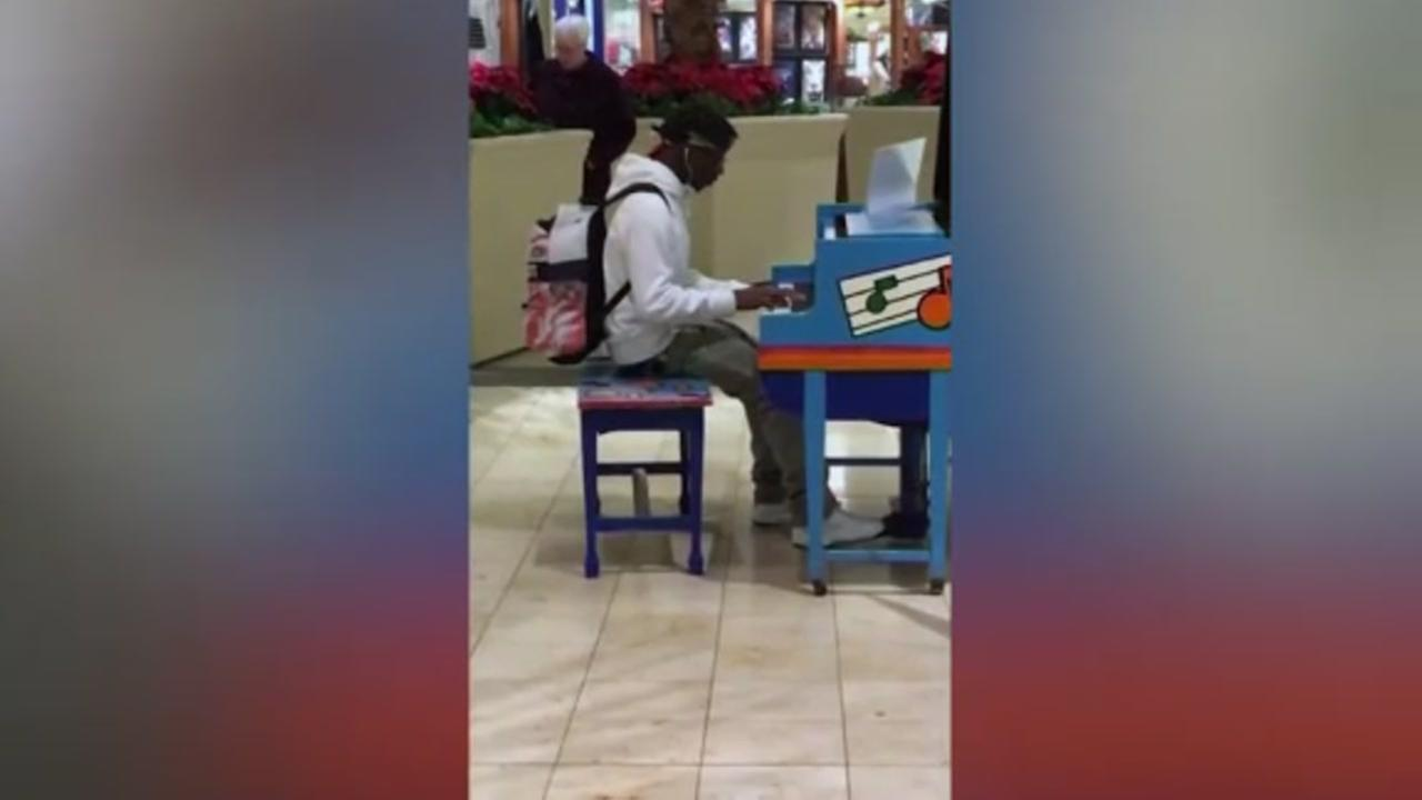 Teen on piano goes viral