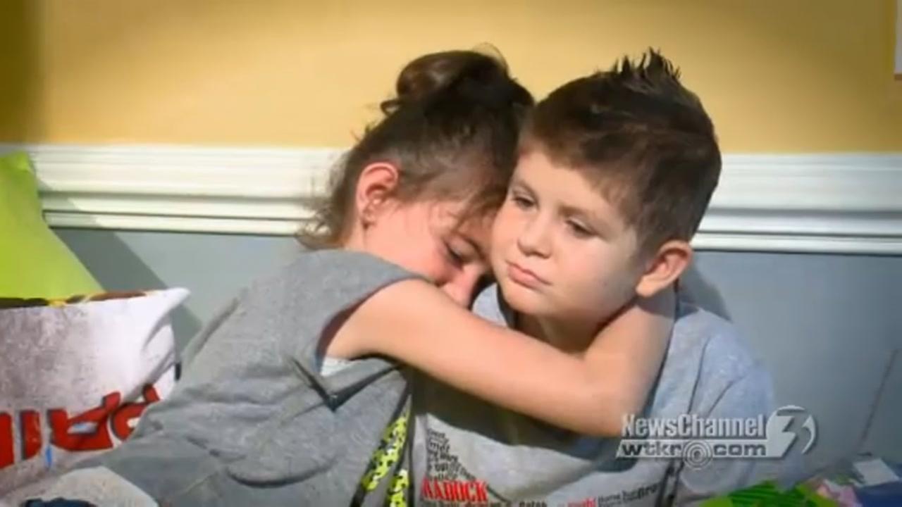 Boy who fell in love dies of cancer