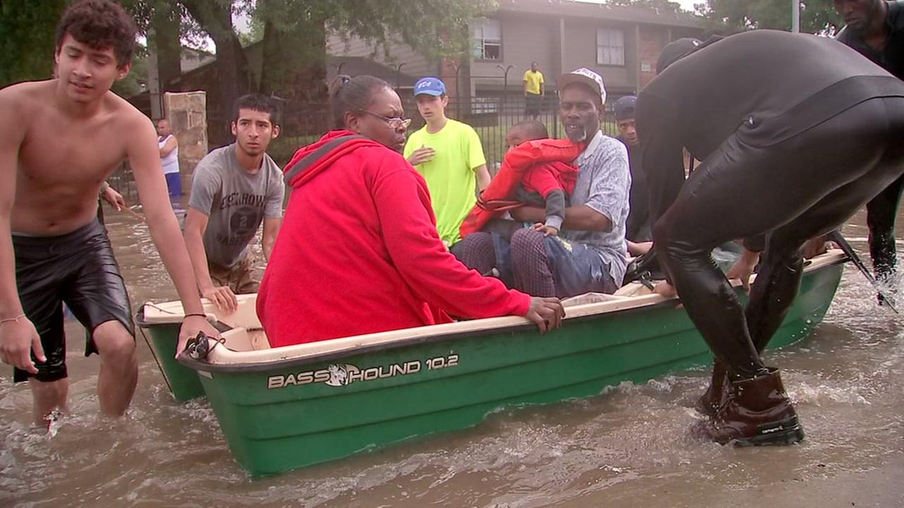 Houstonians helping Houstonians