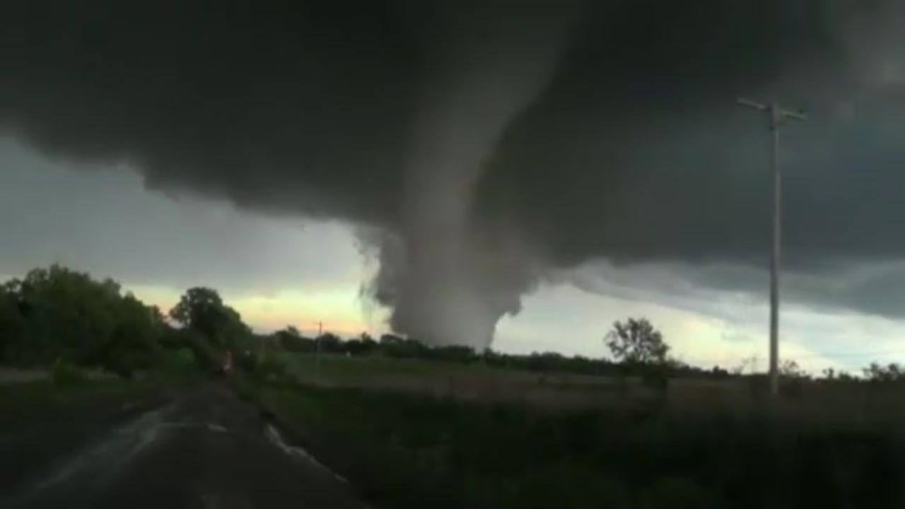 Massive twister rips through Oklahoma