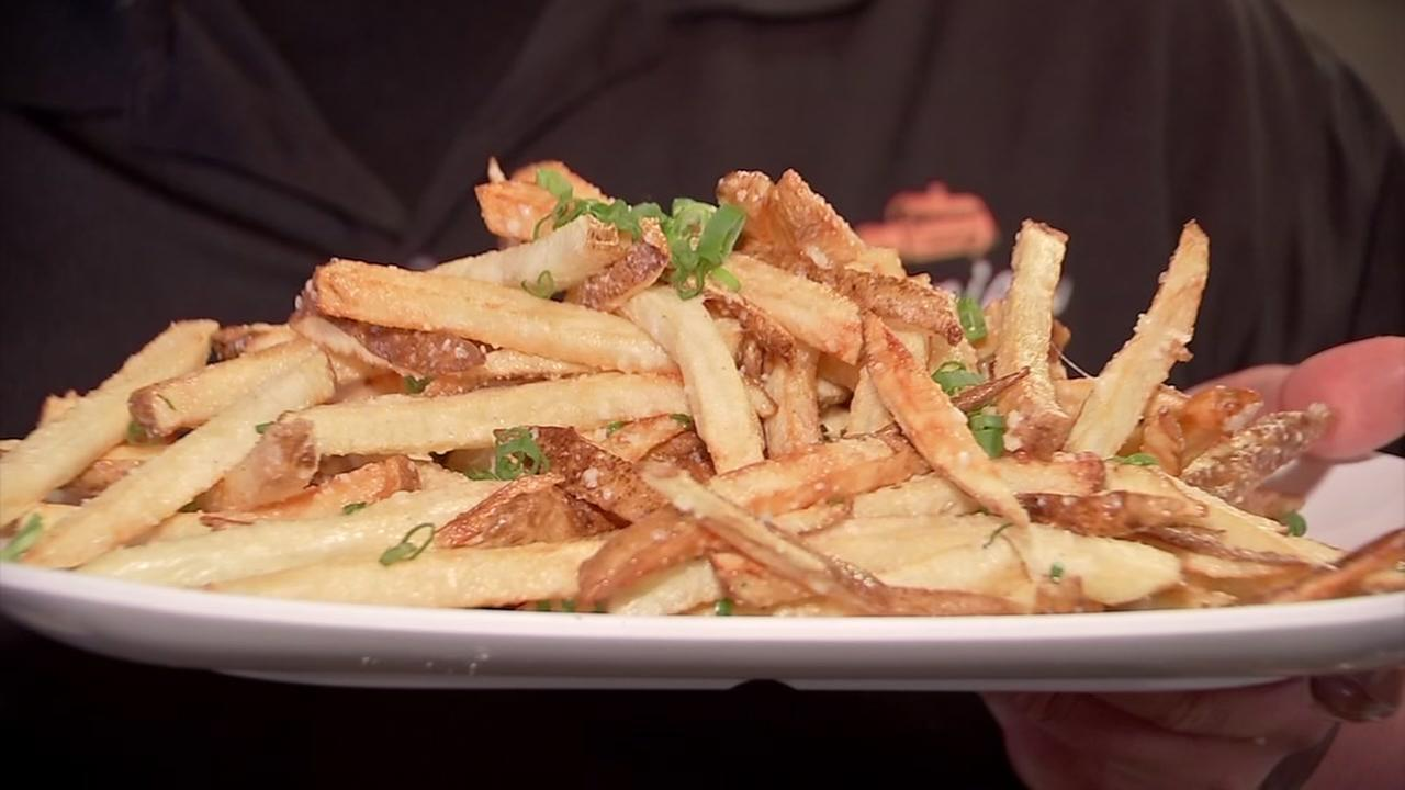 Lets Eat! Chef Justin Turner makes truffle-laced fries