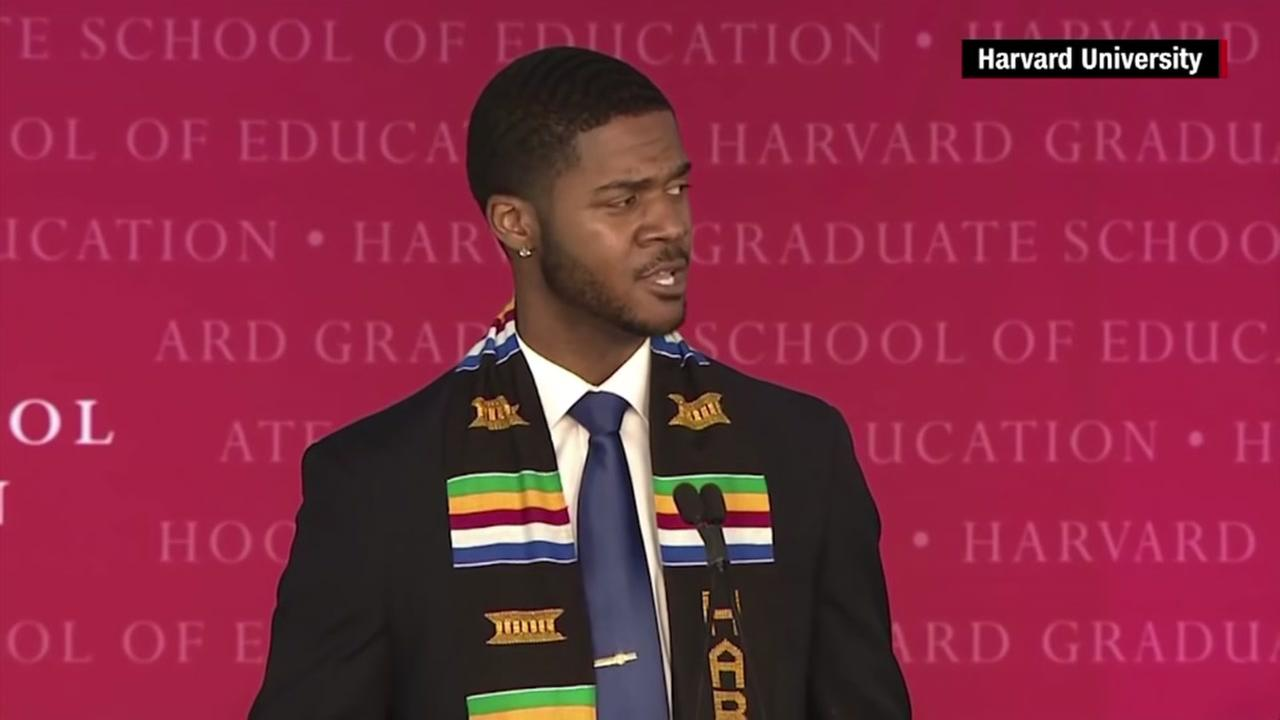 Grad gives spoken-word speech