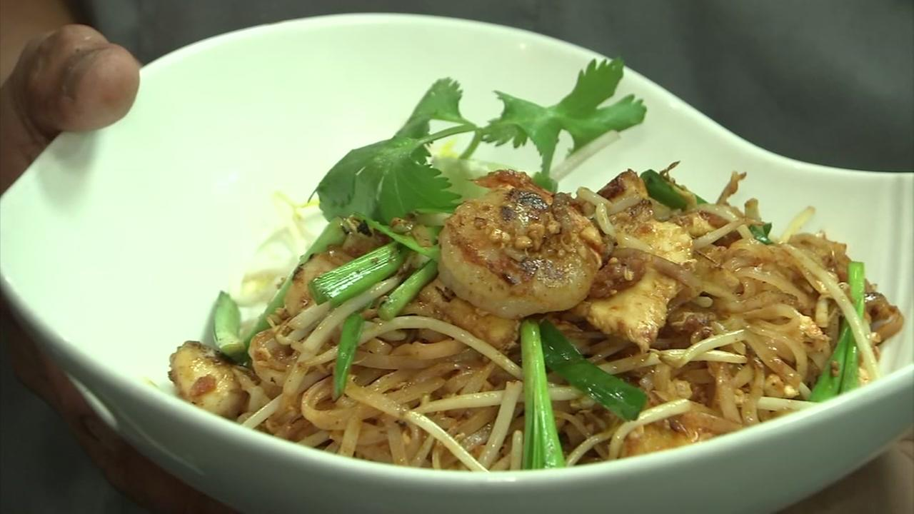 Let\'s Eat: Pad-Khing Tofu from Songkran Thai Kitchen | abc13.com