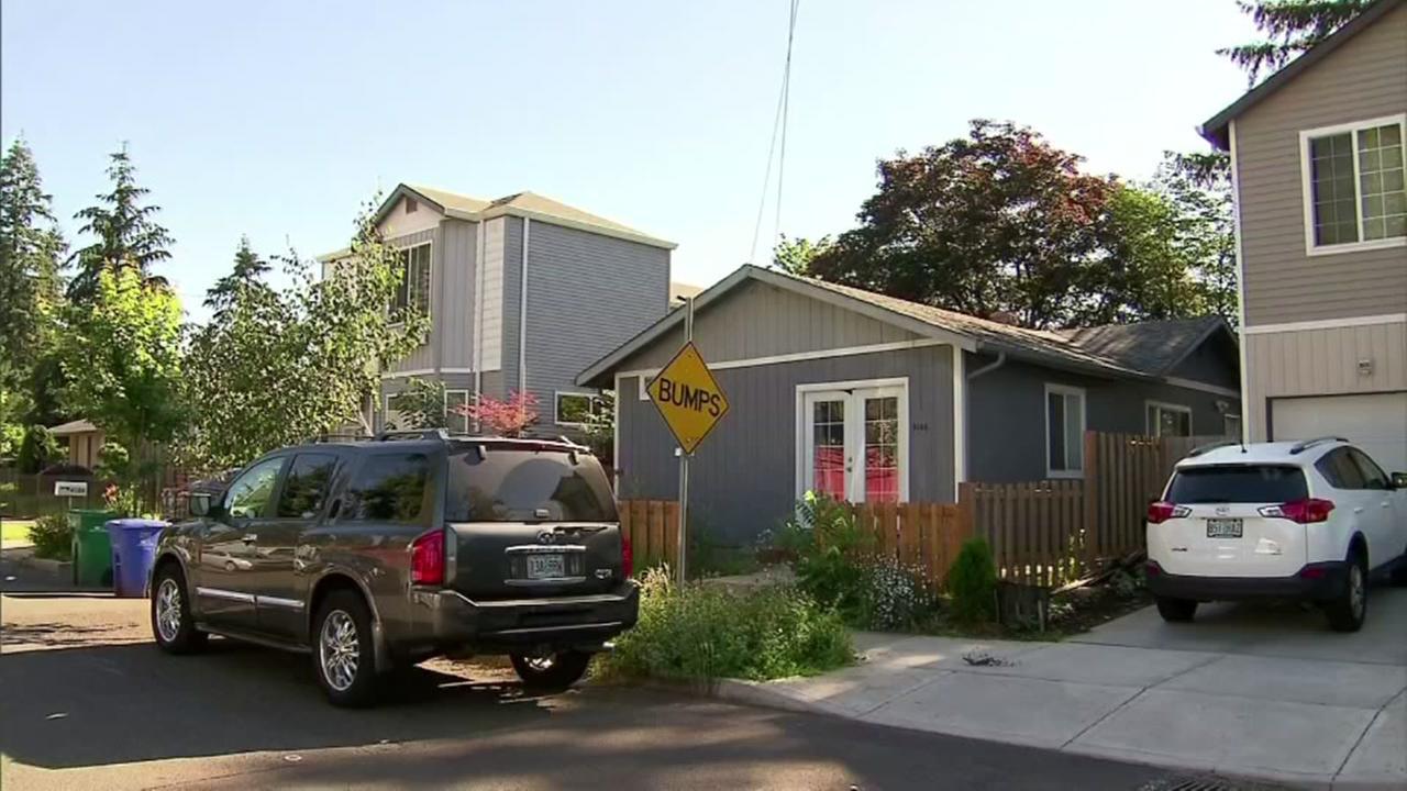 Woman kills home intruder
