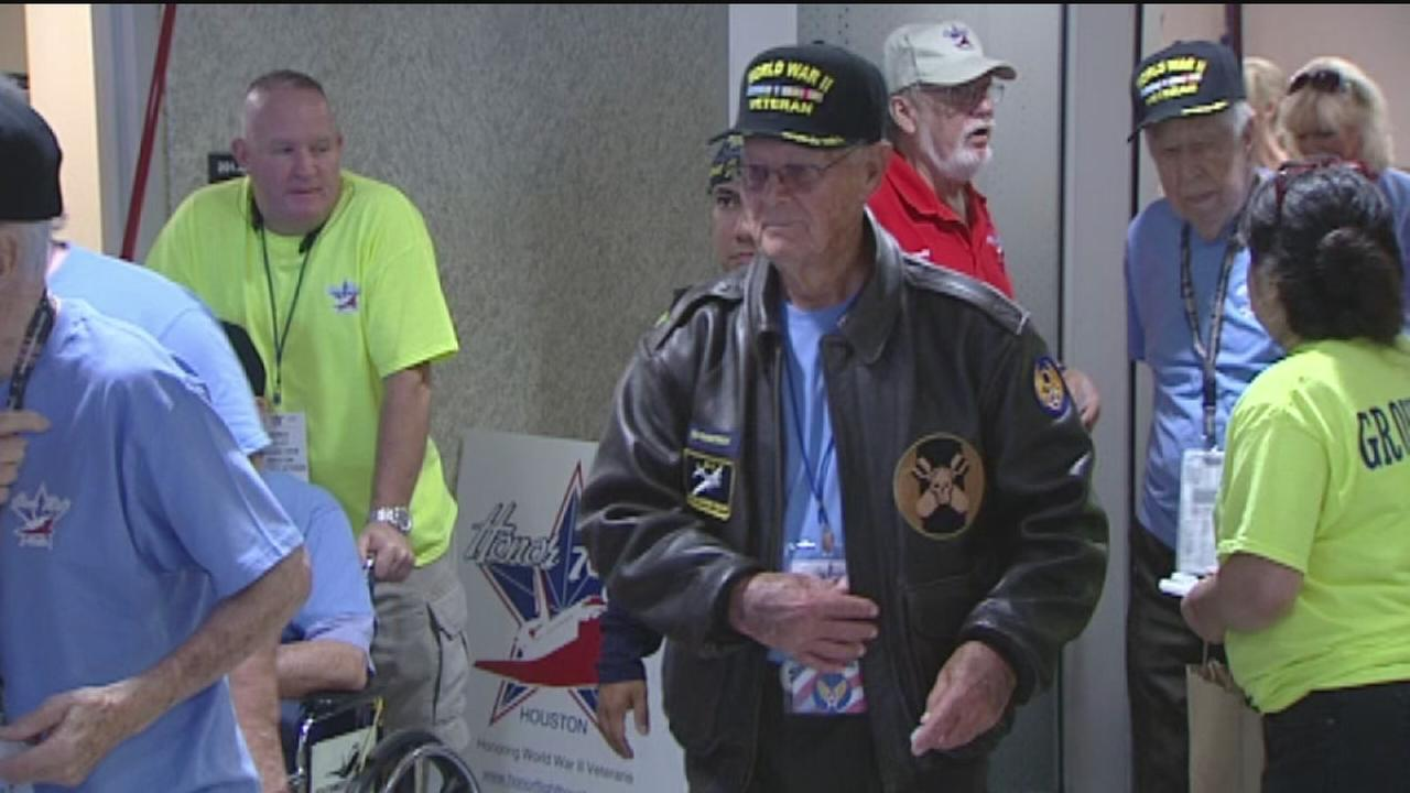 WWII vets take trip of a lifetime