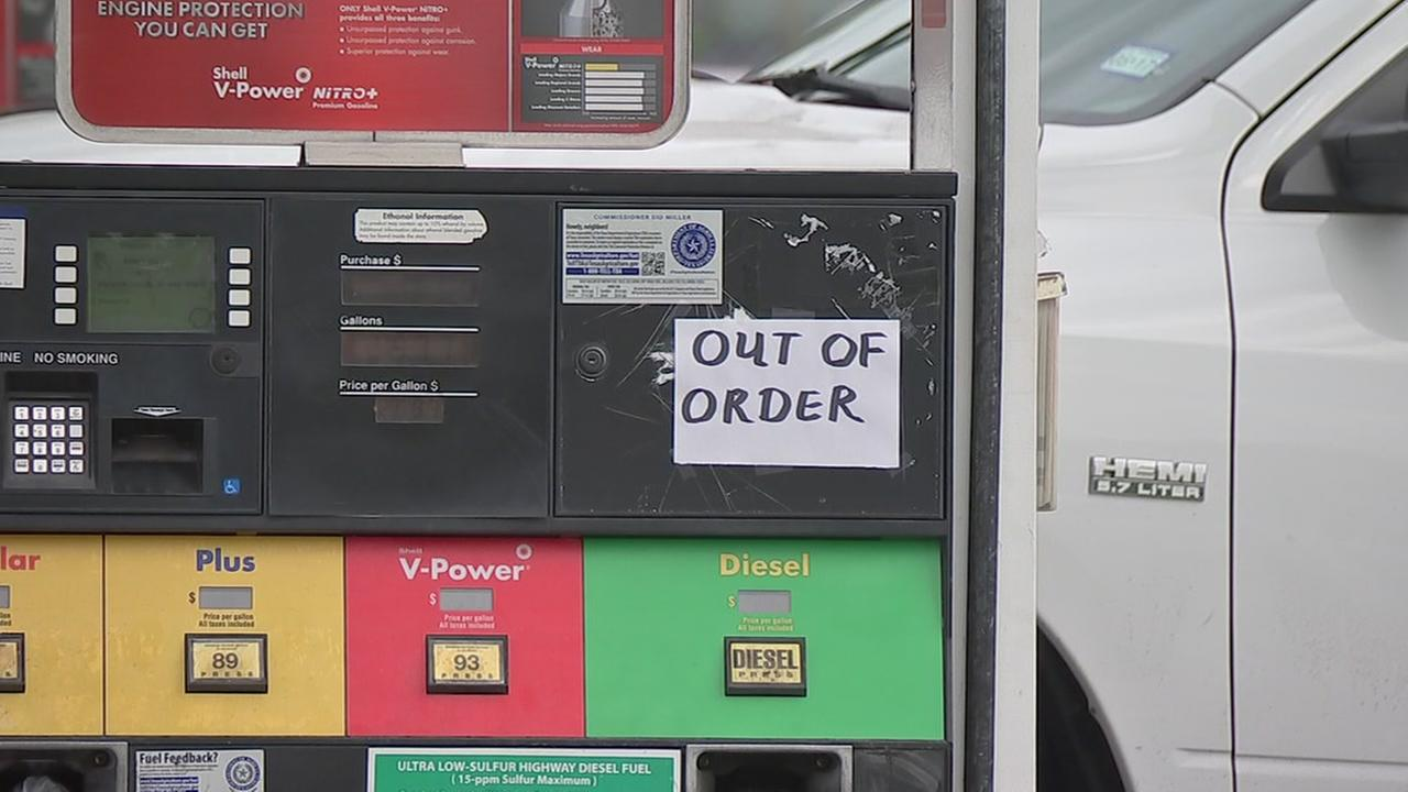 Aldine gas station accused of giving fuel with water