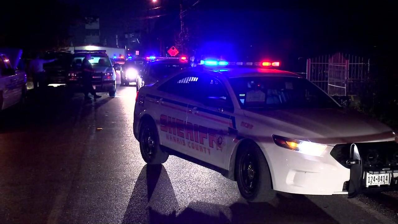 Gun battle kills one in N. Harris Co.