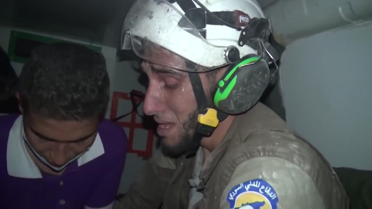 Volunteer weeps for Syrian baby he rescues