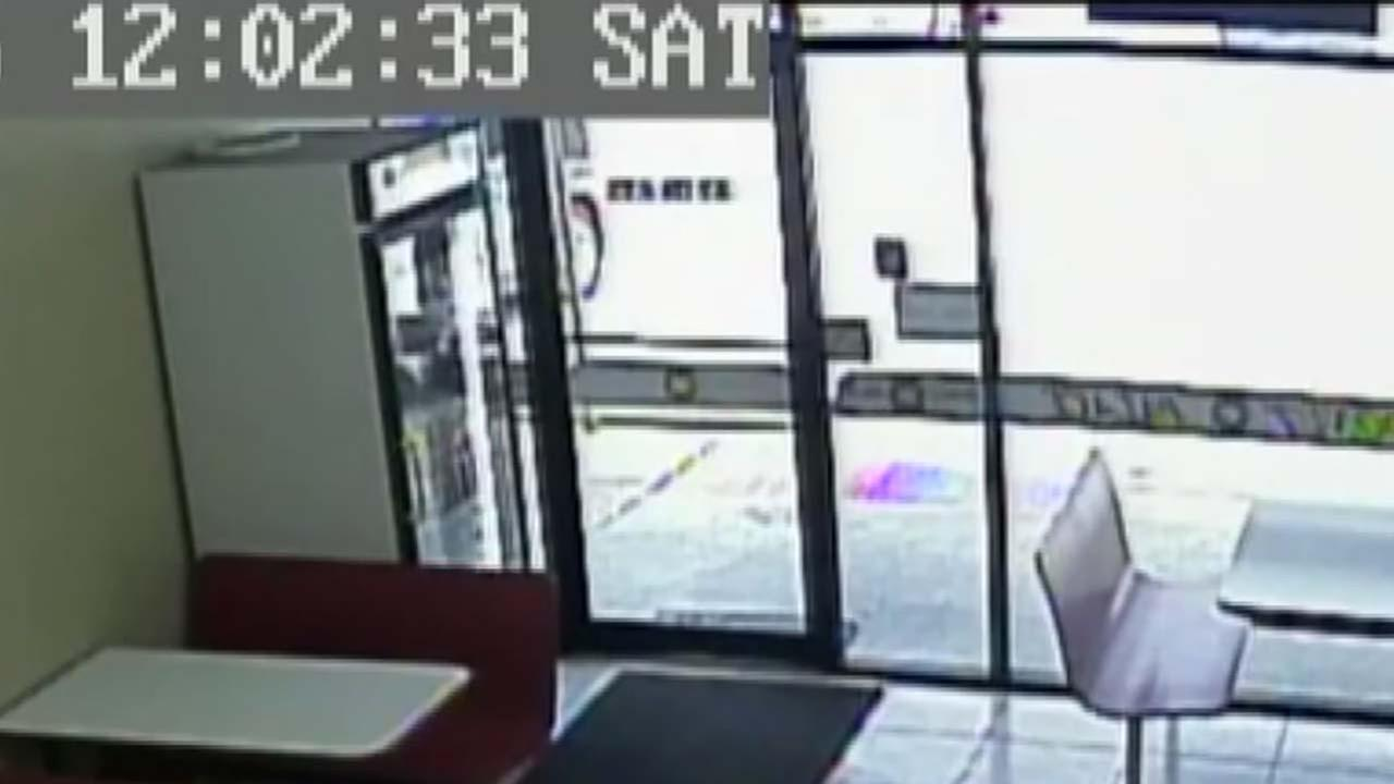 Theft caught on camera in Kingwood