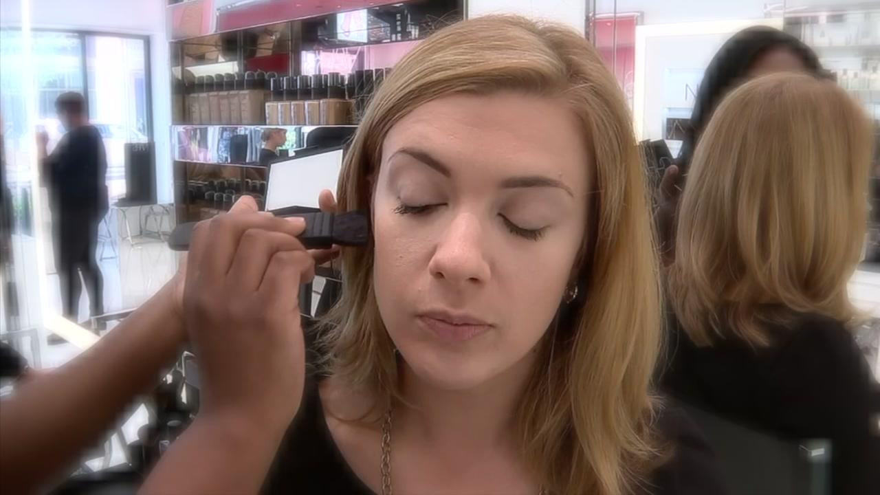 Full face makeup without a full cosmetics bag