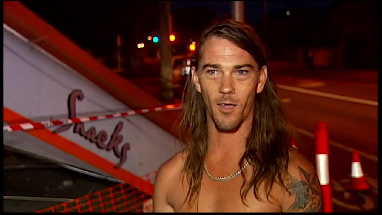 Australian man chases suspect in underwear