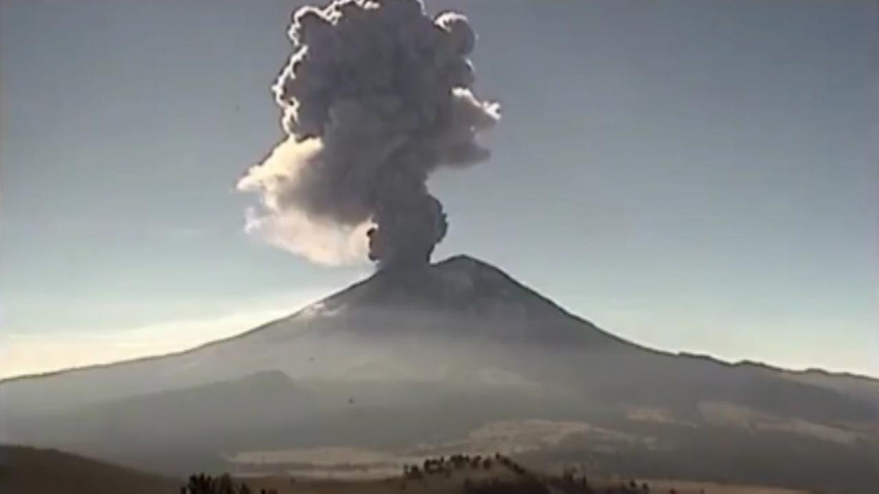 Popocotepetl volcano erupts