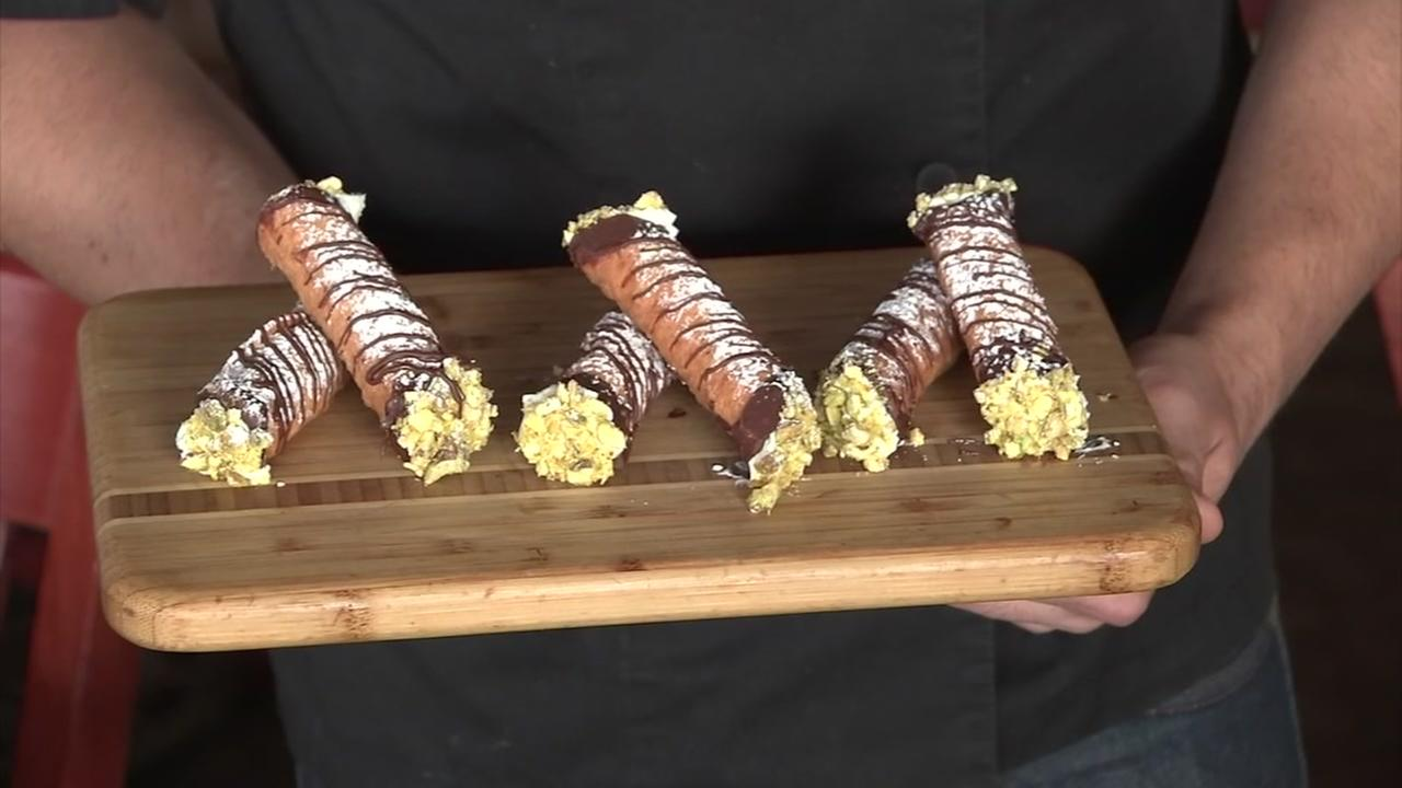 Lets Eat: Christmas cannoli
