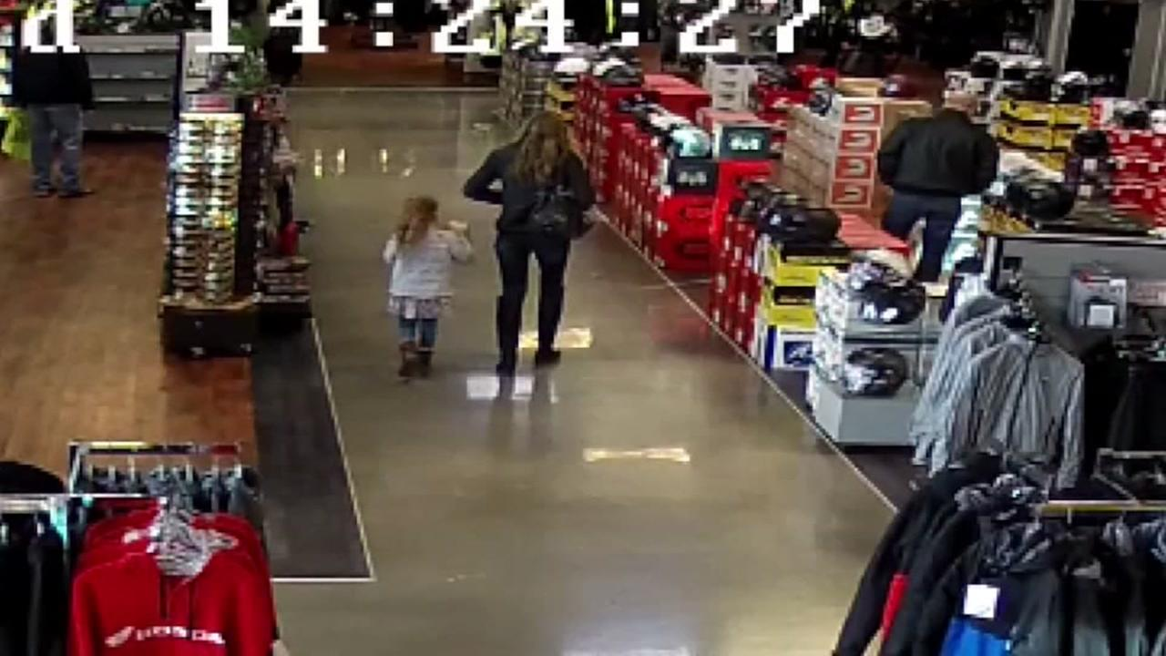 Mom brings girl on shoplifting trip