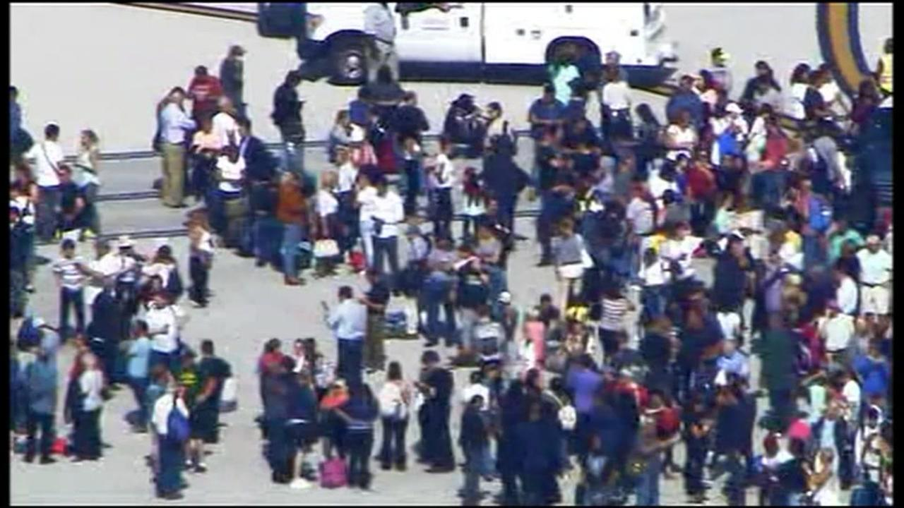 The latest on shooting at Ft. Lauderdale airport