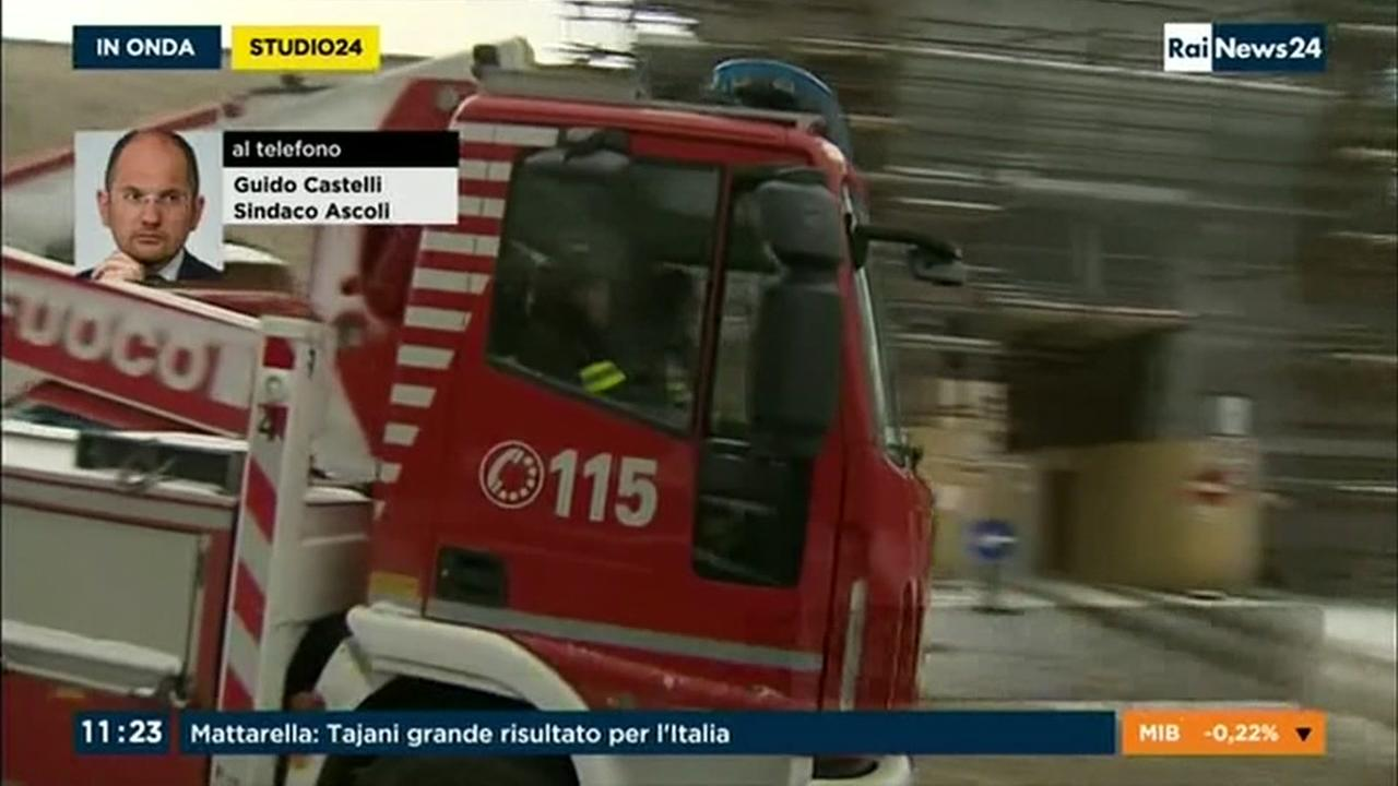 30 missing in central Italy avalanche