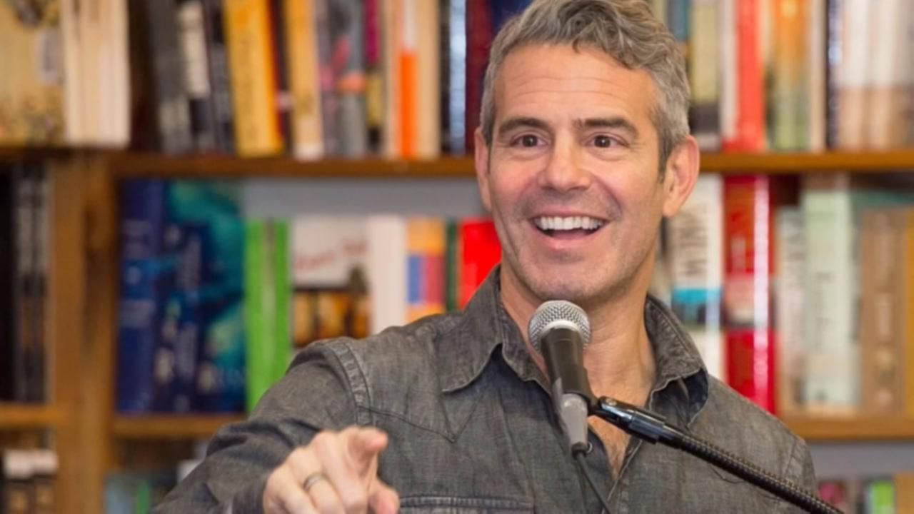 Texas hotel grants request for Andy Cohen photo