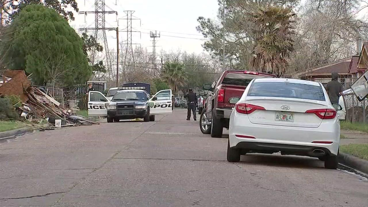HPD investigate shooting of a juvenile on SE side