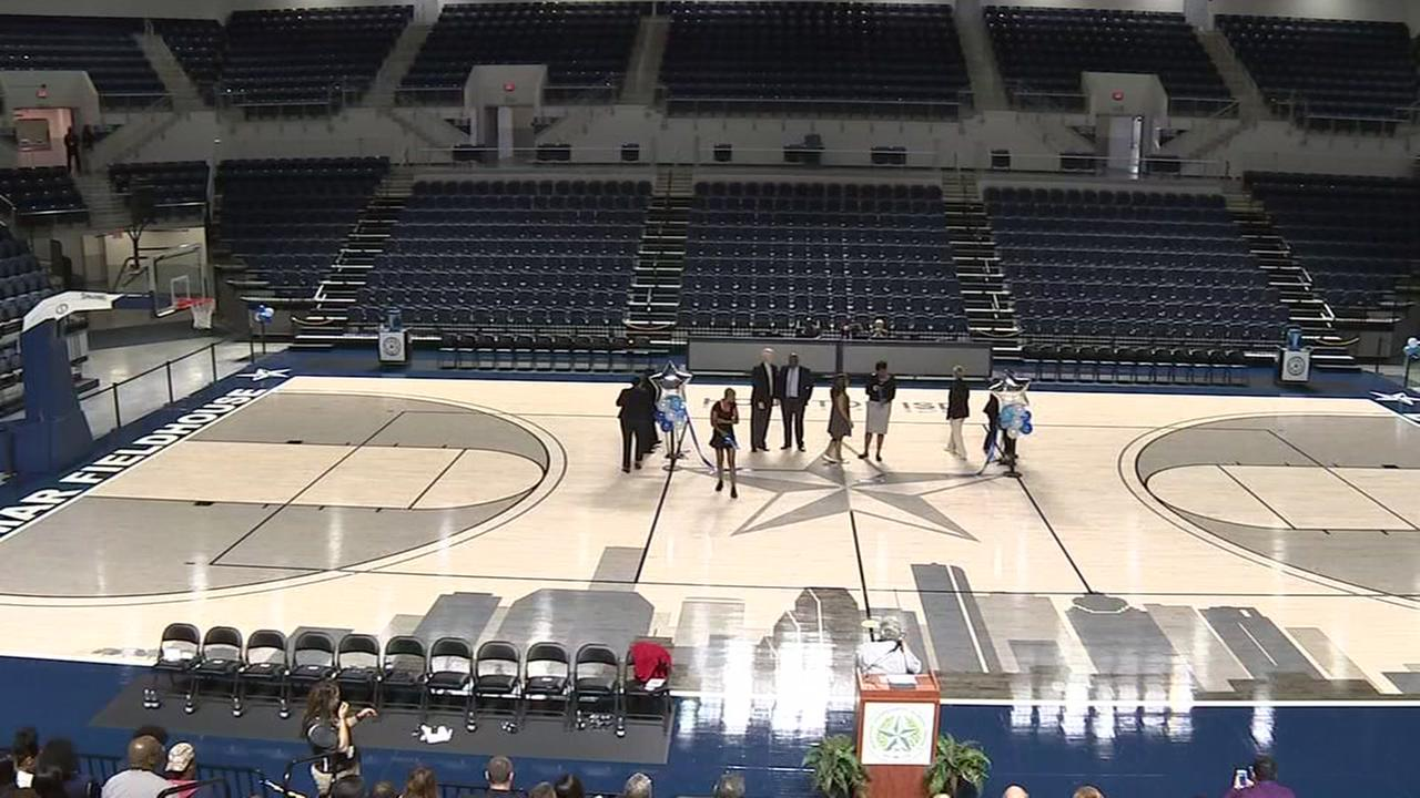 Houston ISD opens new Delmar Fieldhouse