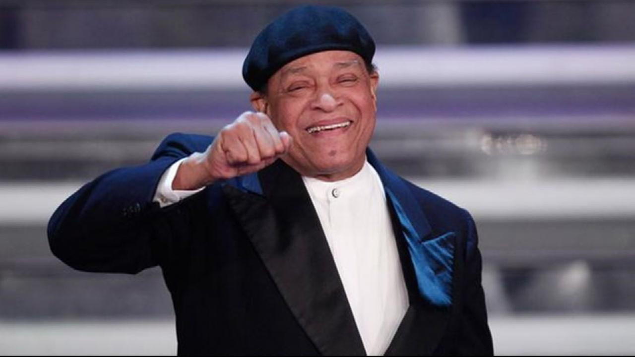 Grammy-winning jazz singer Al Jarreau dies at age 76