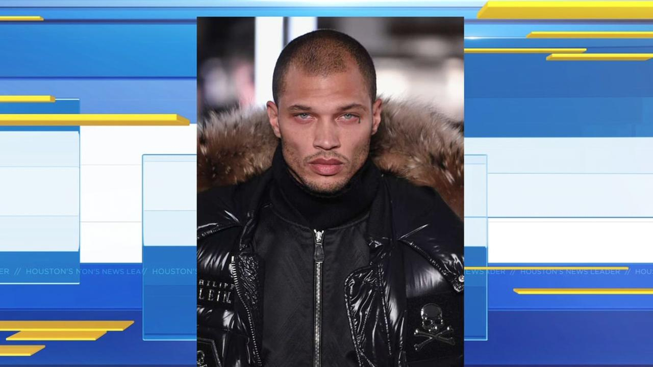 Hot mugshot guy makes New York Fashion Week debut