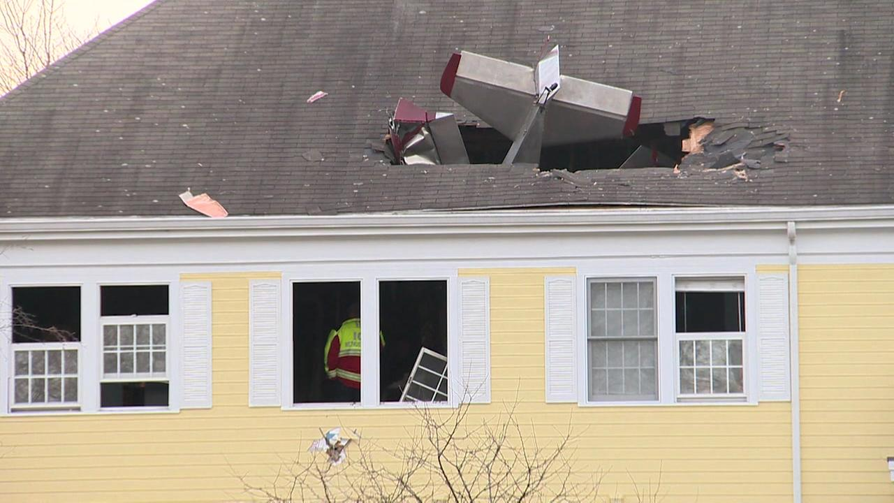 Former mayor killed when plane crashes into home
