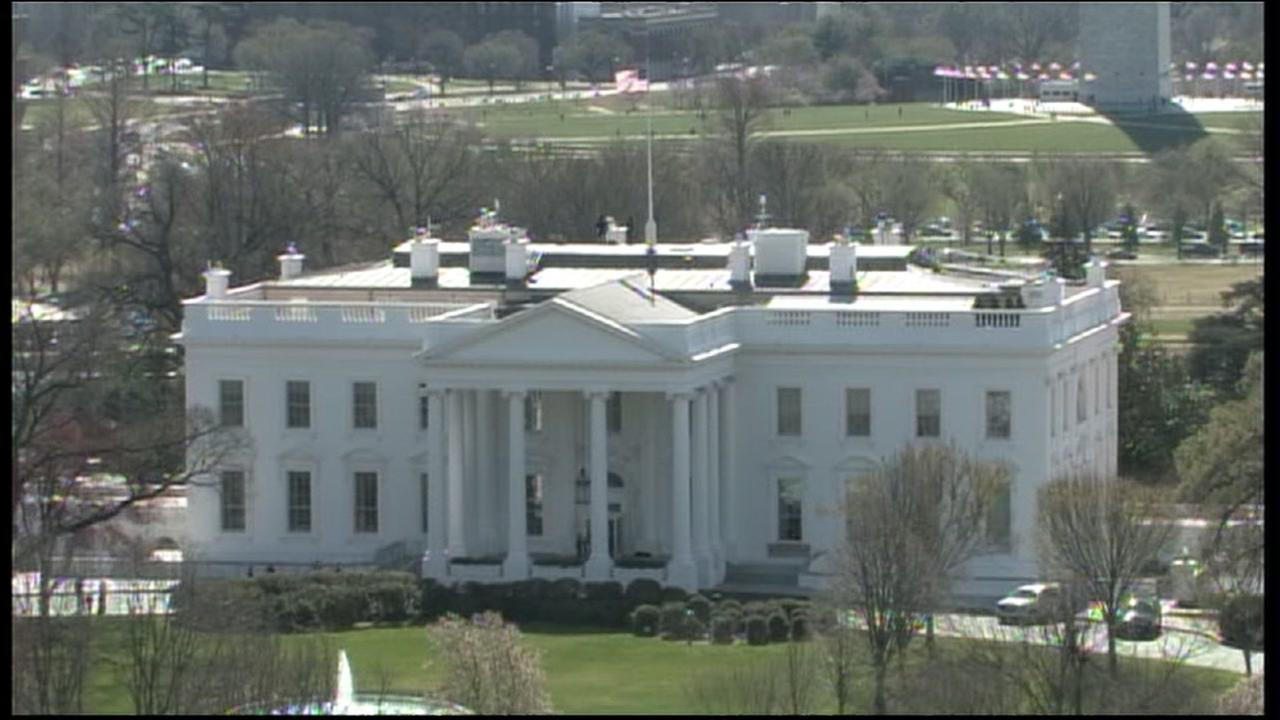 Secret Service detains man who jumped over fence