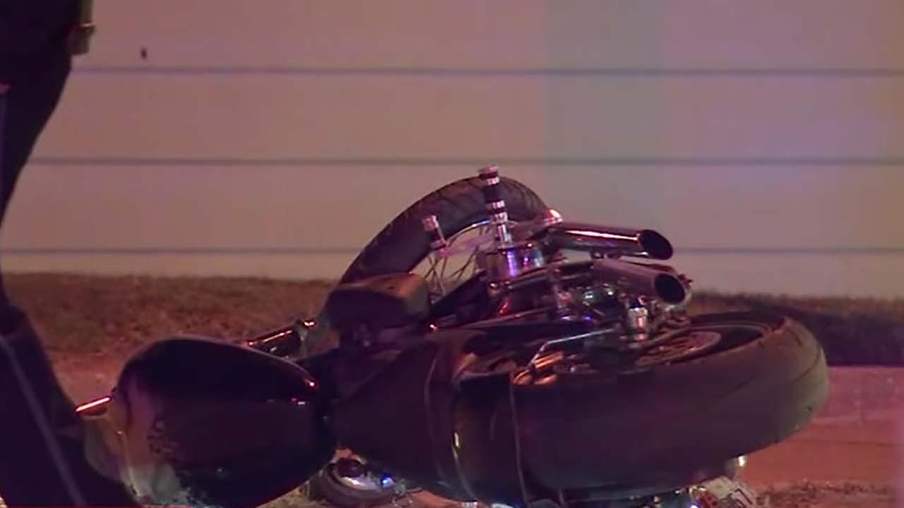 Motrocyclist killed in crash along the seawall in Galveston