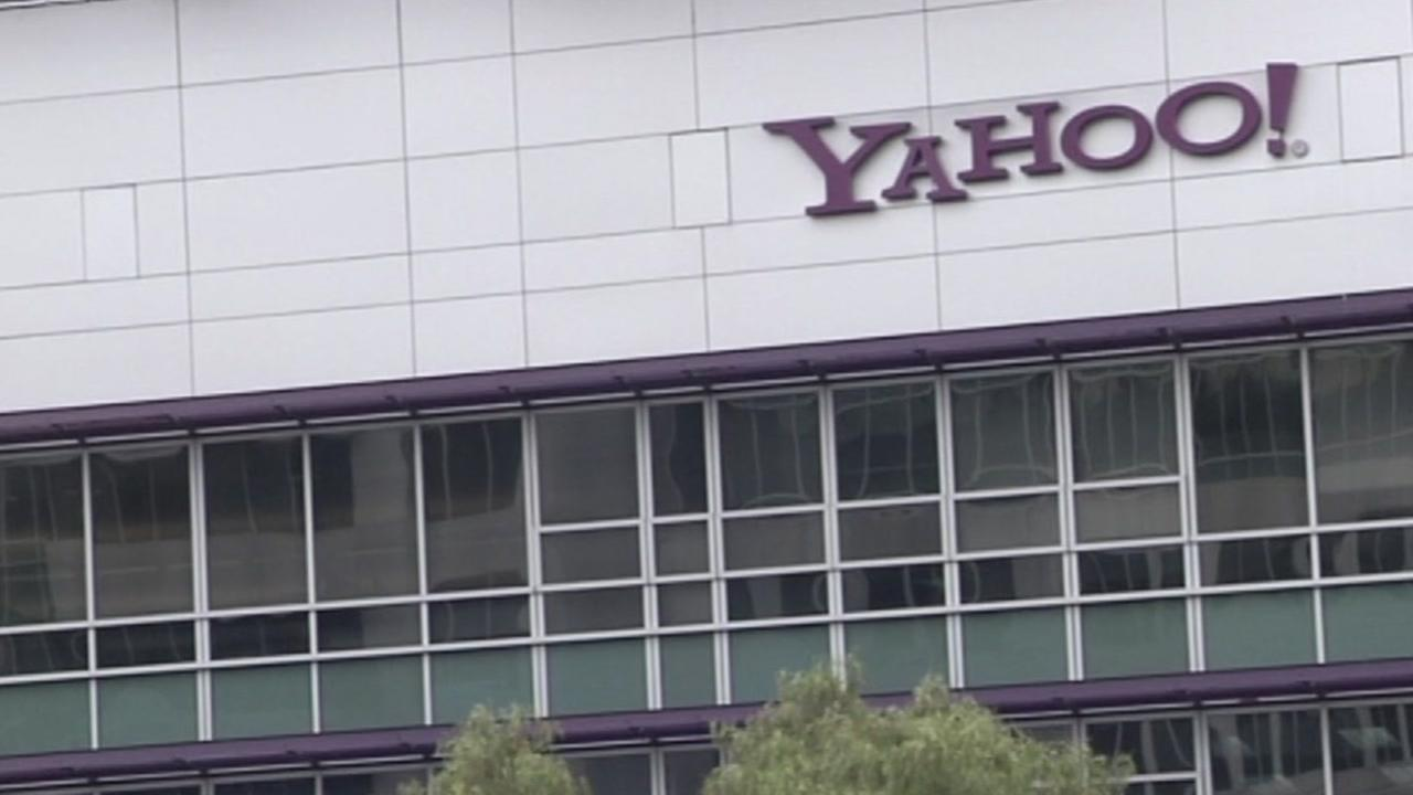 Russian FSB officers, hackers charged in Yahoo breach