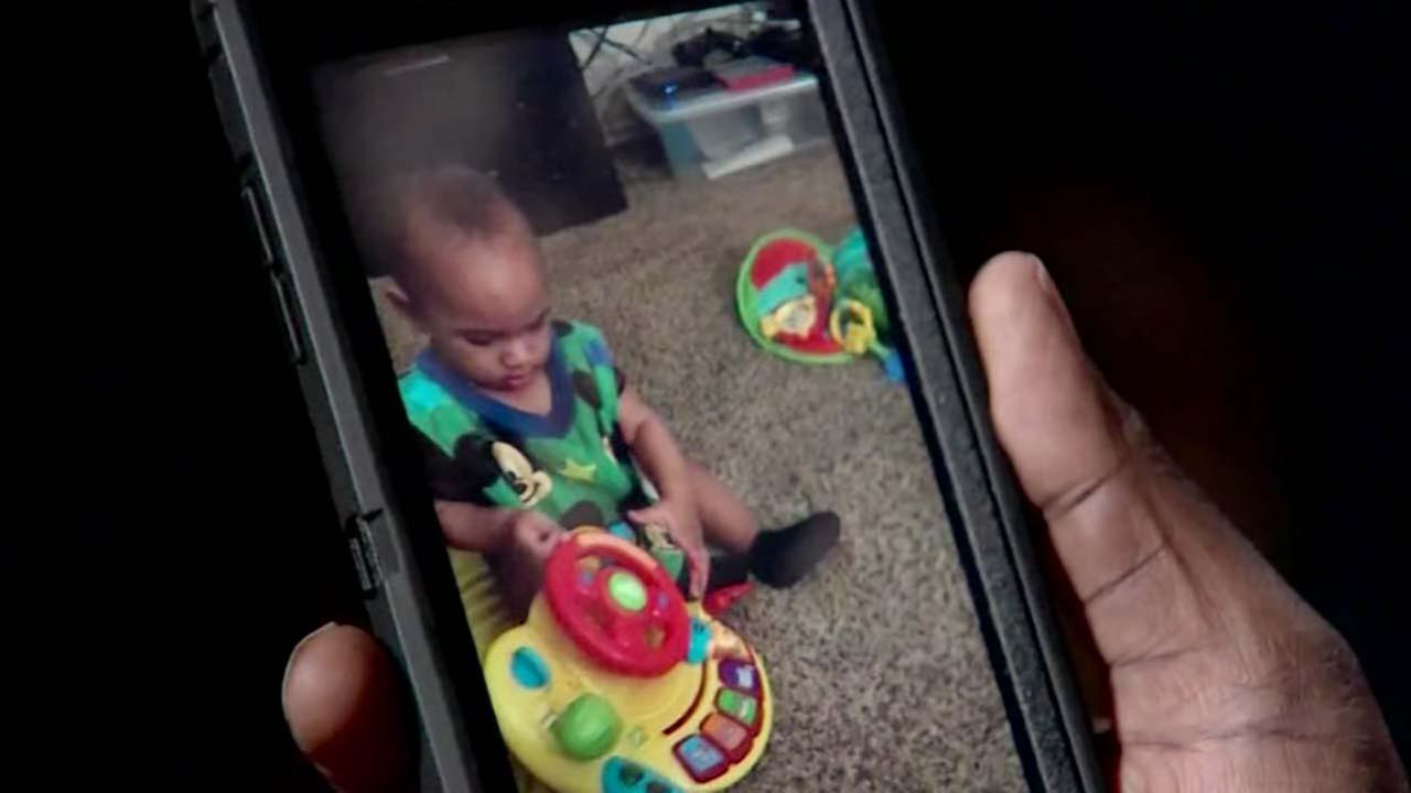 Mom says clogged 911 lines contributed to her babys death