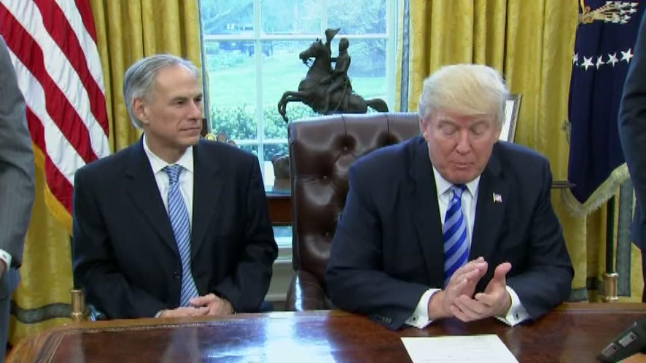 Trump, Abbott meet at the White House