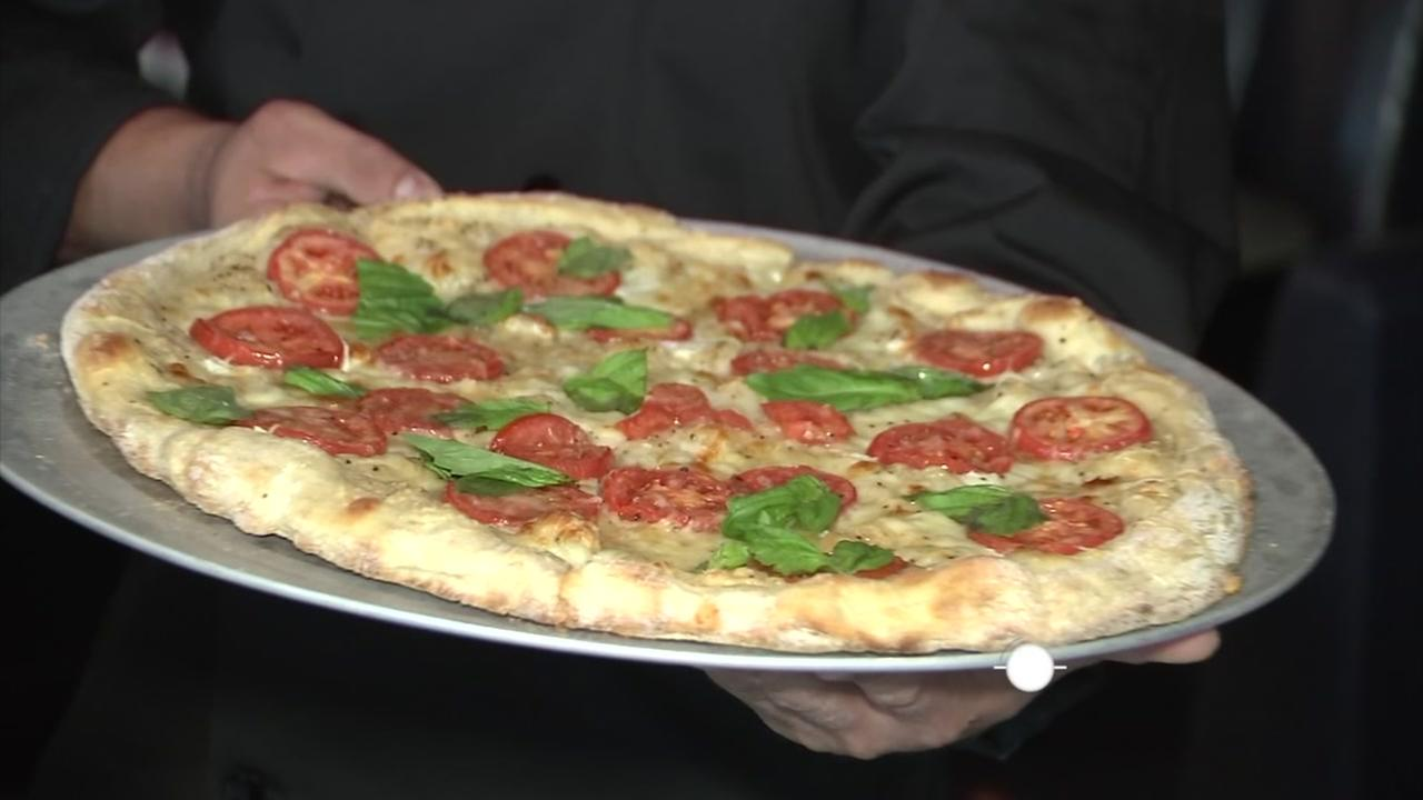 Lets Eat: Margherita pizza from Bowl and Barrel