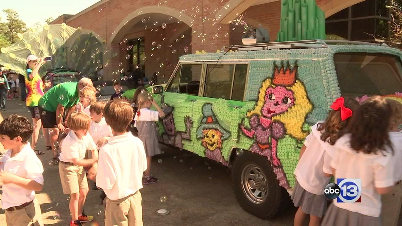 Kinkaid students hold mini Art Car Parade
