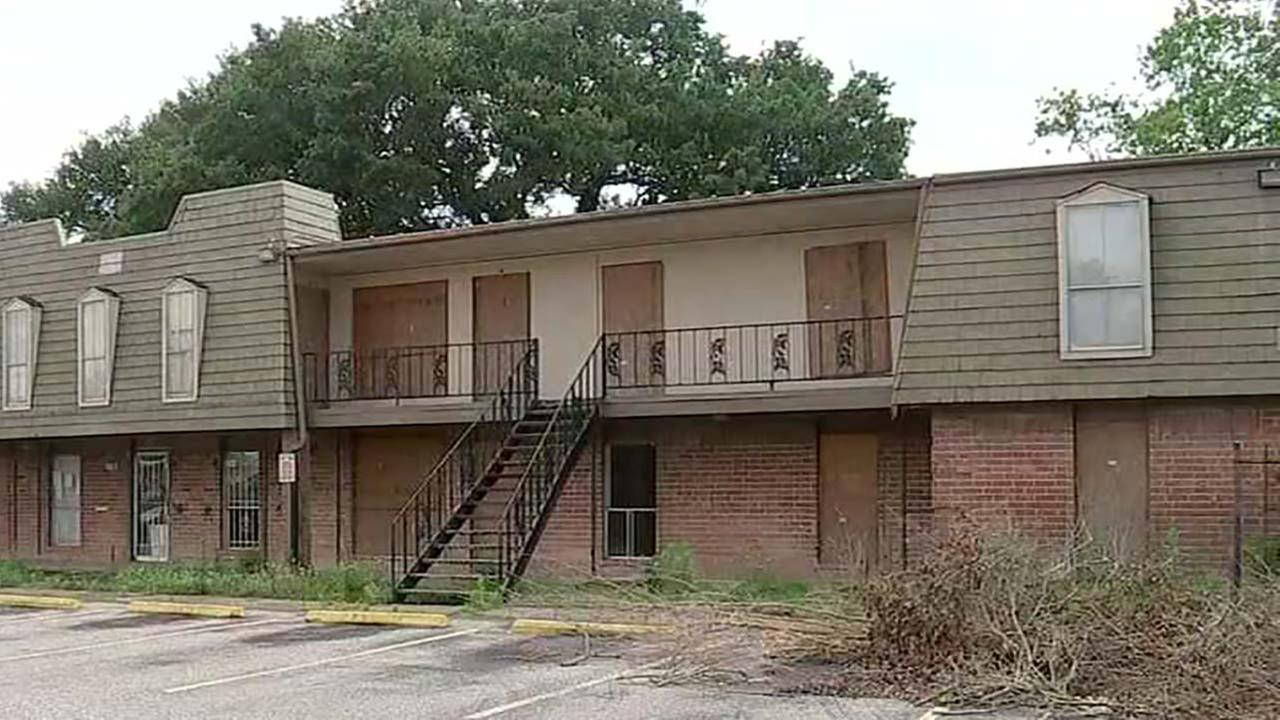 Apartment complex set to be demolished Saturday