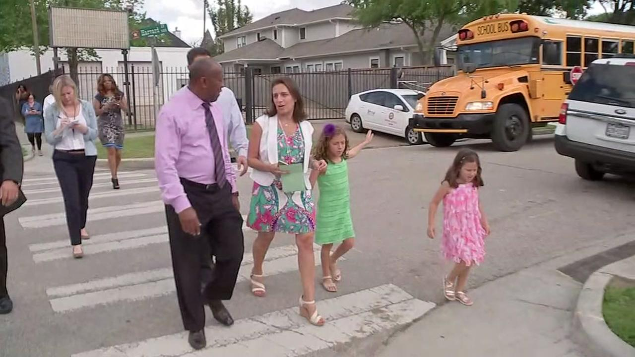 Girl gets Mayor Turner to take action on sidewalk repairs