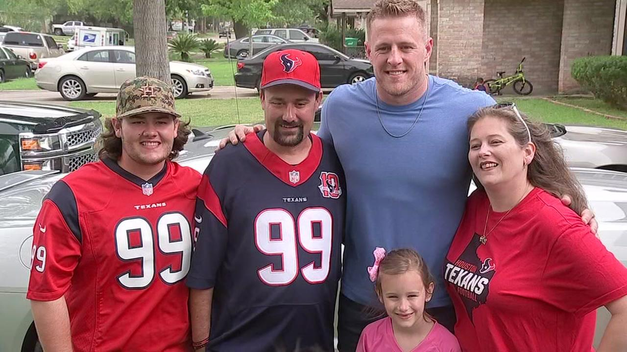JJ Watt delivers pizza to lucky Texans fan