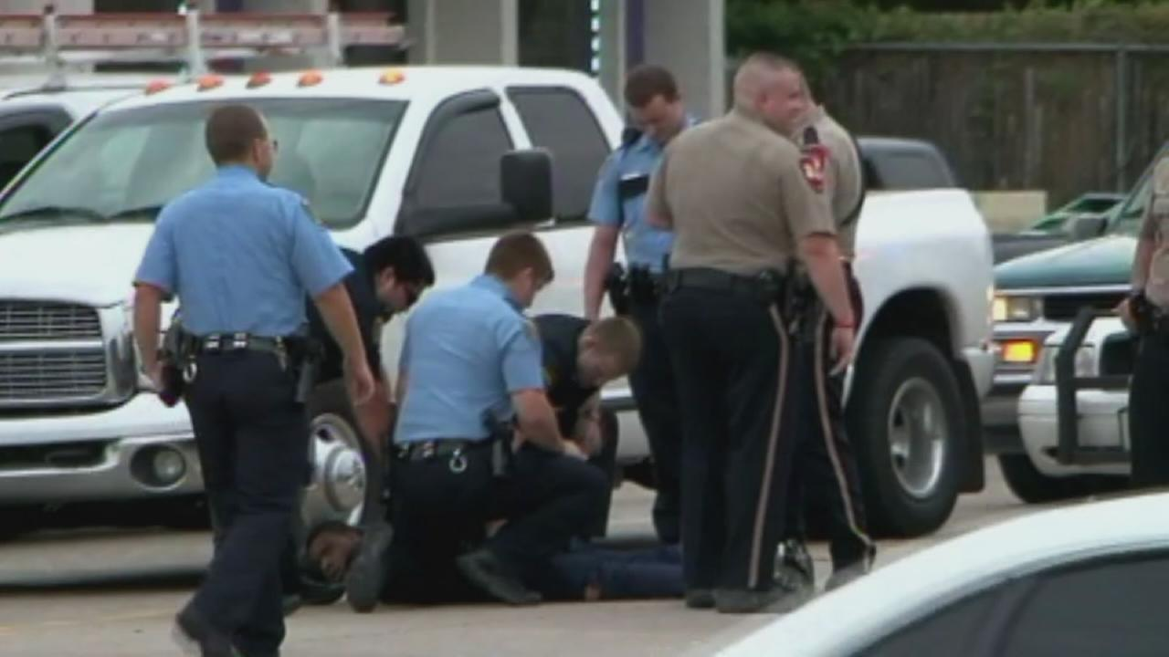 RAW: Suspect caught after robbery, chase
