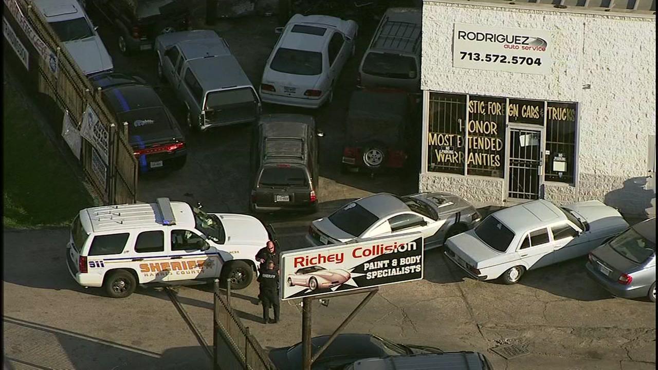 Man dies after inhaling nitrogen gas at body shop
