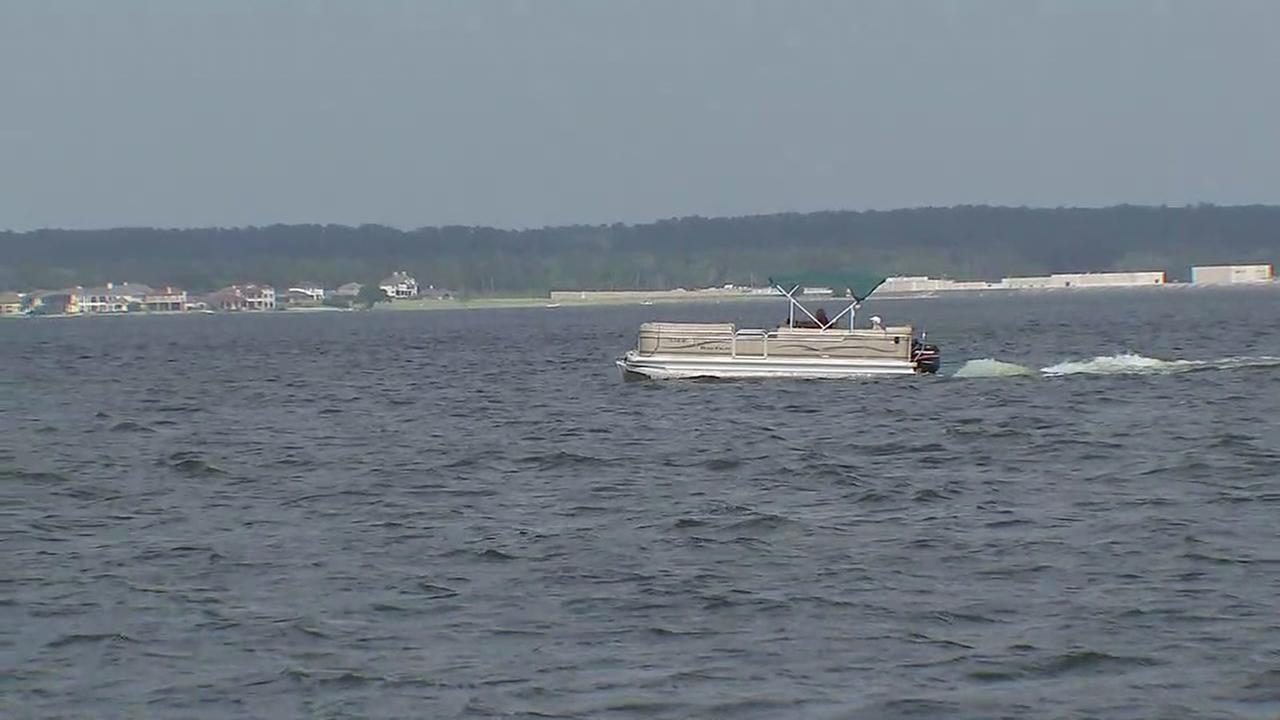 One dead, two other injured in Lake Conroe boat crash