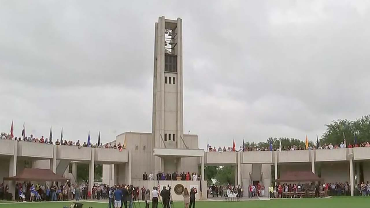 Fallen soldiers honored at Houston National Cemetery