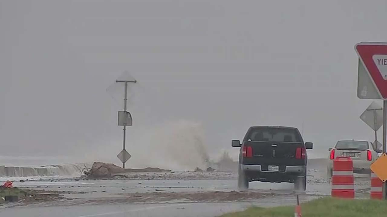 Some residents leaving, others staying in Bolivar Peninsula