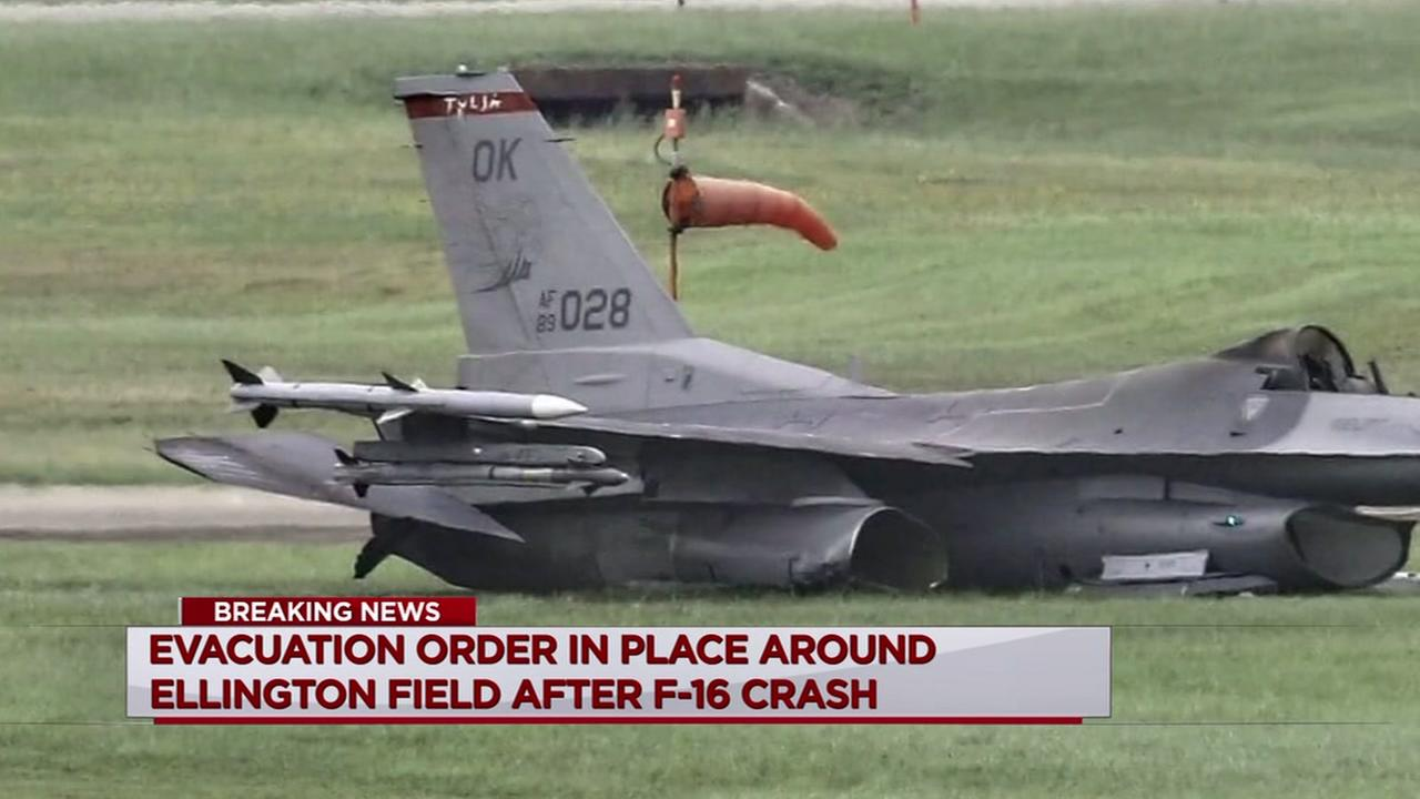 F-16 crash forces evacuation, closures near Ellington Field