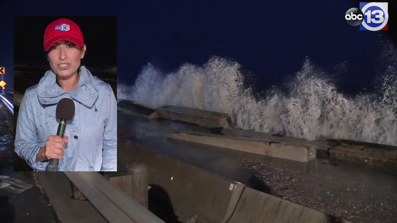 Frightening: Reporter faces choppy waves in Bolivar Peninsula