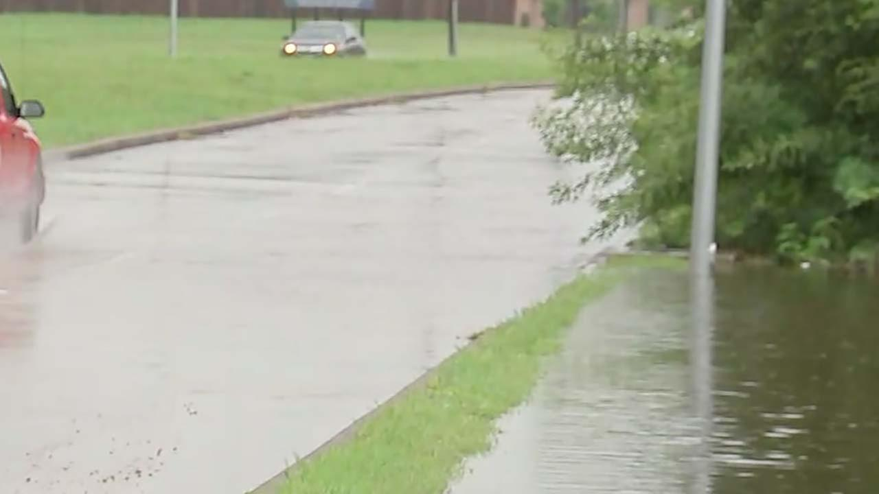 High water reported on roads in Fort Bend County