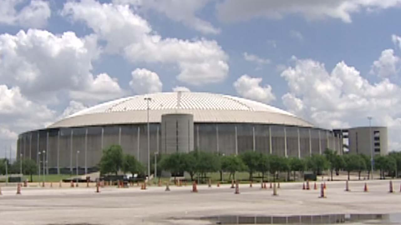 Commissioners plan to hire constuction manager for Astrodome project