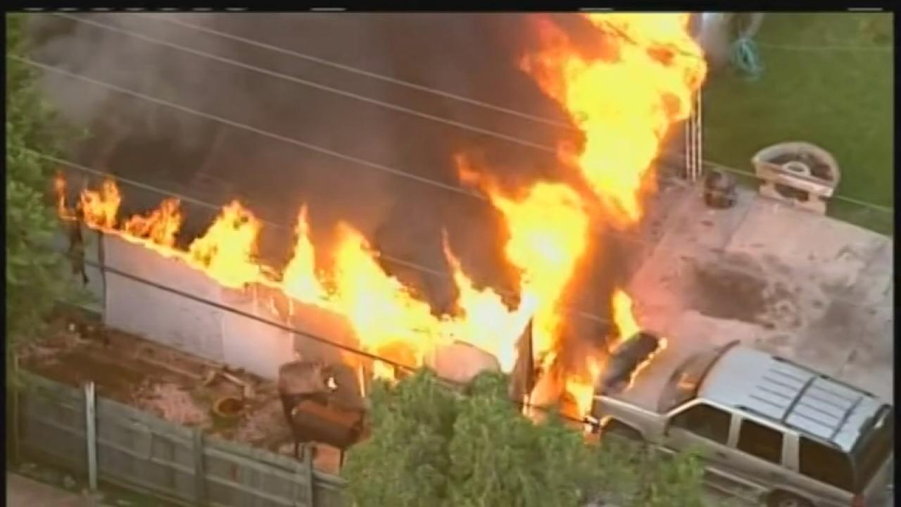 Family members escape burning home