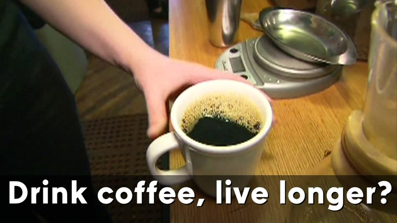 Two large studies show coffee drinking linked to lower risk of death