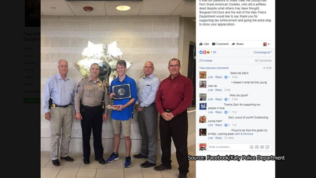 Katy PD commends teen who bought cookie for cop