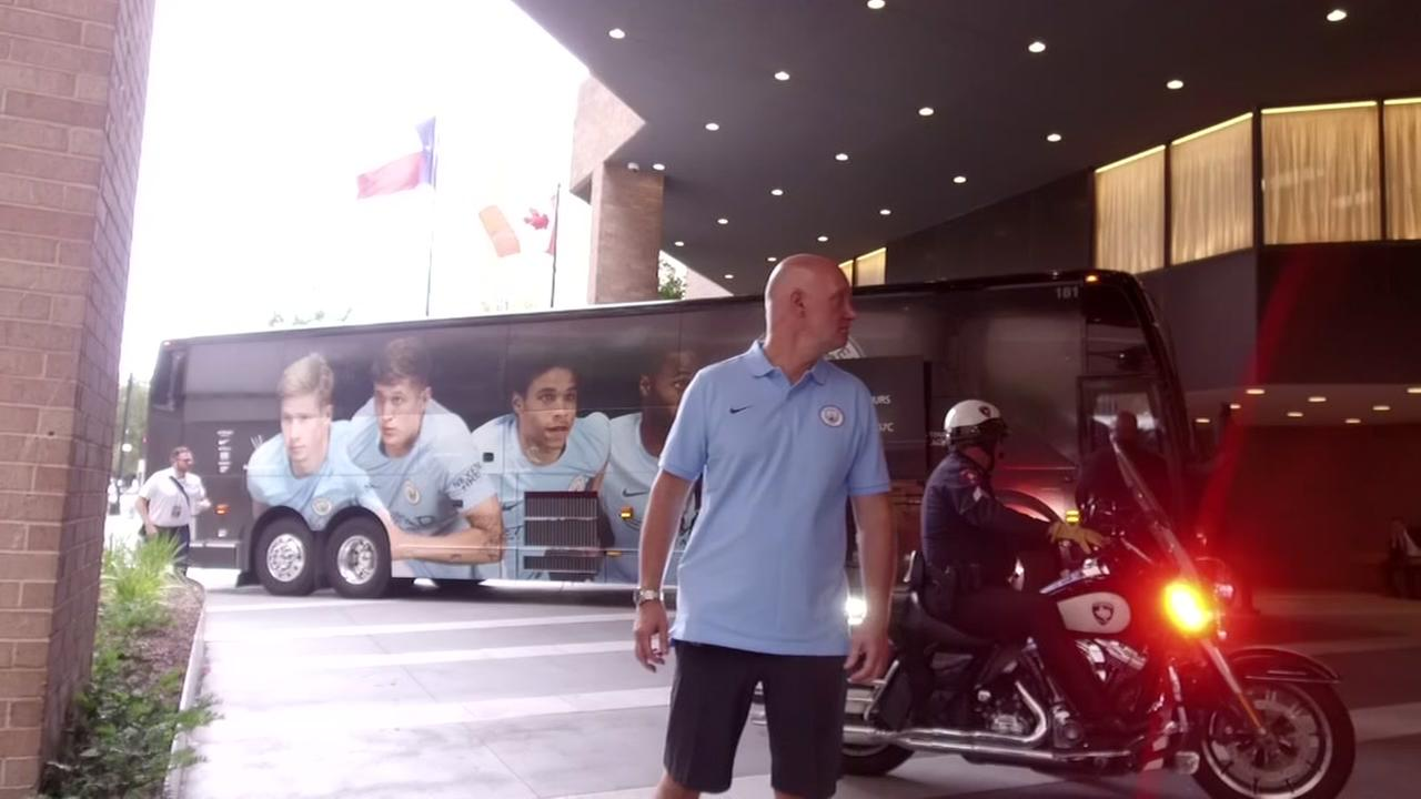 Manchester arrives in Houston for game
