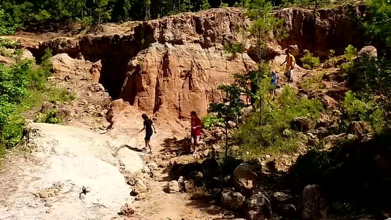 Kids explore at camp built around rock quarry